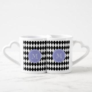 白黒の道化師パターン、すみれ色のモノグラム ペアカップ