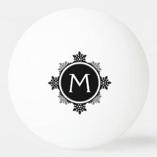 白黒の雪片のリースのモノグラム 卓球ボール