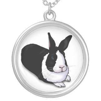白黒ウサギ シルバープレートネックレス