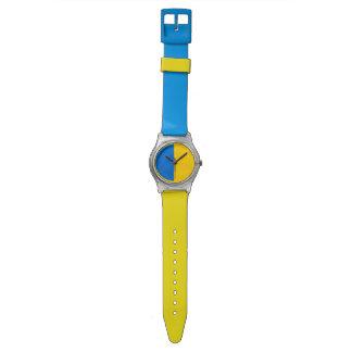 白黒クールでシンプルな色のマッチ 腕時計