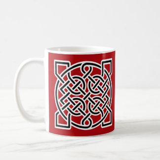 白黒ケルト族の船員の結び目、深紅 コーヒーマグカップ