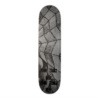 白黒シェブロンのクモの巣の抽象芸術のレトロの芸術 スケートボード