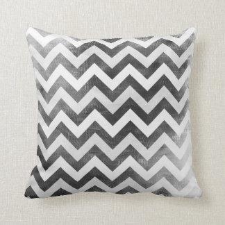 白黒シェブロンパターンジグザグ形の枕 クッション