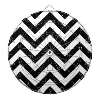 白黒ジグザグ形のシェブロンパターン ダーツボード