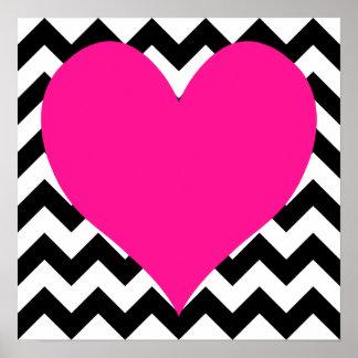 白黒ジグザグ形の濃いピンクのハート ポスター