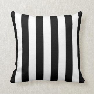 白黒ストライプのな枕 クッション