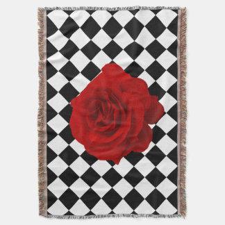 白黒ダイヤモンドパターンの赤いバラ スローブランケット