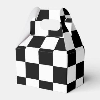 白黒チェック模様の旗の男の子のパーティーのギフト用の箱 フェイバーボックス