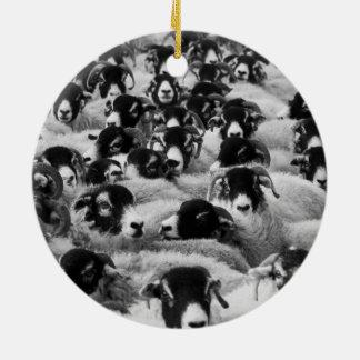 白黒ヒツジの群 セラミックオーナメント