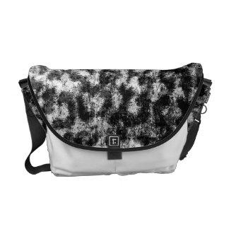 白黒ヒョウのプリントの皮の毛皮 メッセンジャーバッグ