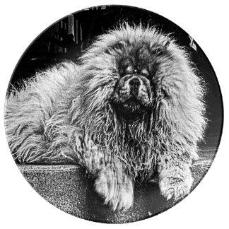 白黒ポーチのチャウチャウ犬 磁器プレート