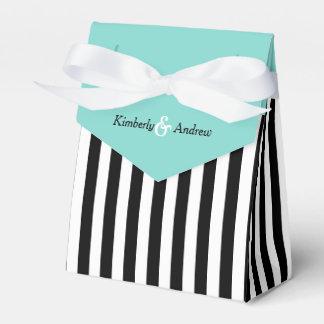 白黒リボンの青い結婚祝いを縞で飾ります フェイバーボックス