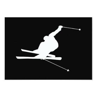 白黒下り坂のスキーヤー カード