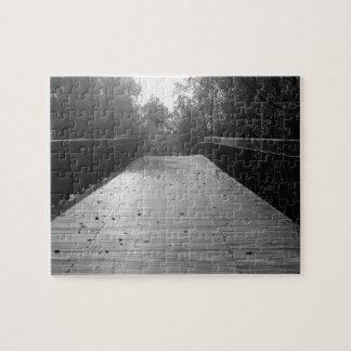 白黒中心橋続き- ジグソーパズル