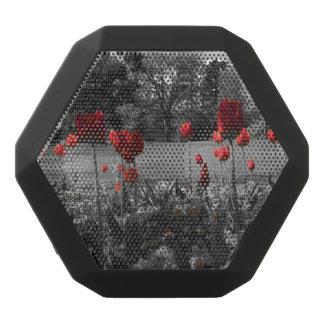 白黒庭の写真撮影の赤いバラ ブラックBluetoothスピーカー