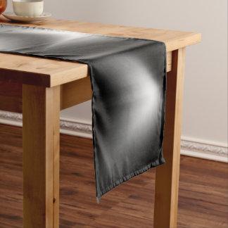 白黒抽象的なシマウマ ショートテーブルランナー