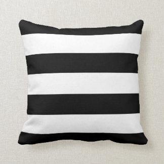 白黒横は縞で飾ります クッション