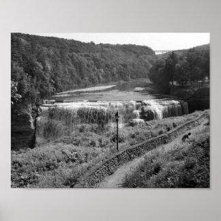 白黒滝の写真 プリント
