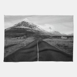 白黒田園アイスランド キッチンタオル