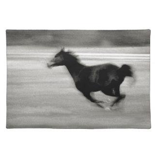 白黒疾走する馬 ランチョンマット