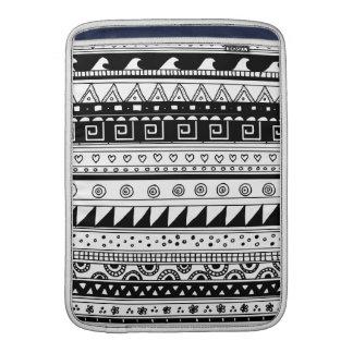 白黒種族パターン MacBook スリーブ