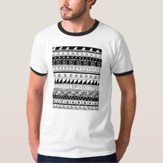 白黒種族パターン Tシャツ