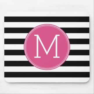 白黒縞模様のショッキングピンクのモノグラム マウスパッド