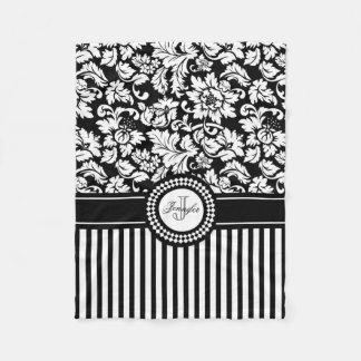 白黒花のダマスク織及びストライプモノグラム フリースブランケット
