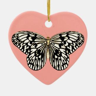 白黒蝶、珊瑚のピンクの背景 セラミックオーナメント