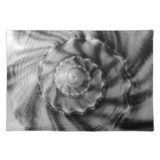 白黒螺線形の貝 ランチョンマット