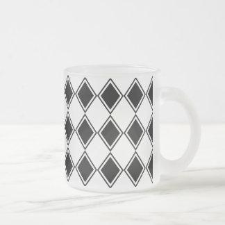 白黒道化師のダイヤモンドパターン フロストグラスマグカップ