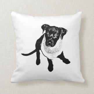 白黒黒い実験室の子犬のイメージ クッション