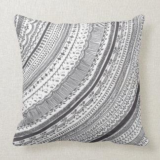 白黒Hennaの枕 クッション