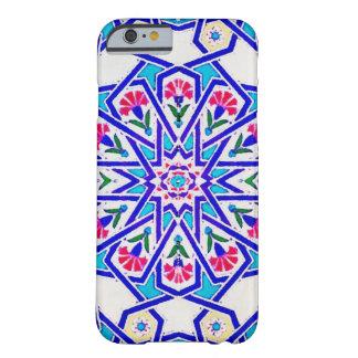 白、青および赤のトルコのタイル BARELY THERE iPhone 6 ケース