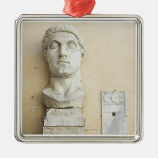 皇帝の巨大な彫像の部品 メタルオーナメント