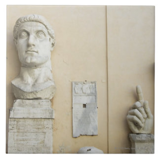 皇帝2の巨大な彫像の部品 タイル