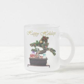 盆栽のクリスマスツリー フロストグラスマグカップ