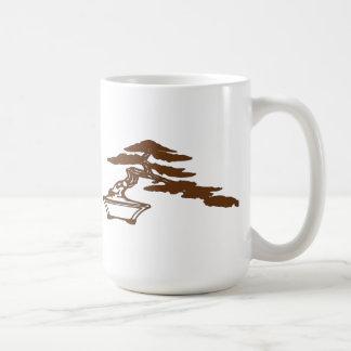 盆栽は半滝のスタイル(茶色でシルエットを描きます コーヒーマグカップ