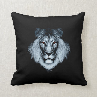 目が赤いライオンの枕 クッション