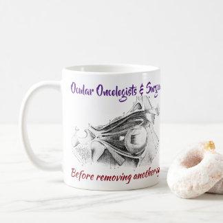 目の腫瘍学者か外科医R/O Wolbachiaはによる上がりました コーヒーマグカップ