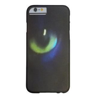 目は黒猫の緑の瞳の電話箱会います BARELY THERE iPhone 6 ケース