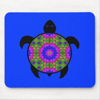 目まぐるしい曼荼羅のカメのデザイン マウスパッド