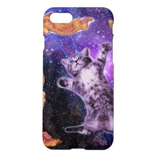 目レーザーが付いているベーコンを揚げている猫 iPhone 7ケース
