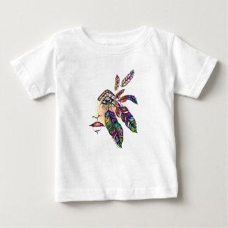 目愛はファンタジーの芸術に羽をつけます ベビーTシャツ