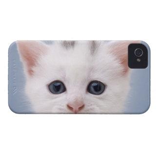 直面される白のイメージの上でpredominately閉めて下さい Case-Mate iPhone 4 ケース