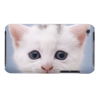 直面される白のイメージの上でpredominately閉めて下さい Case-Mate iPod touch ケース