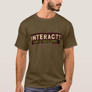相互! 緑上のベージュ色 Tシャツ