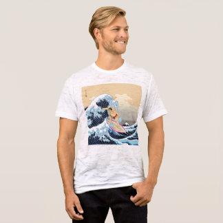 相撲のサーフィンによって合われる焼損のTシャツ Tシャツ