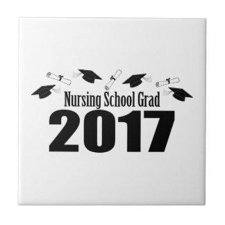 看護専門学校の卒業生2017の帽子および免状(黒) タイル