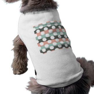 真新しいピンクの灰色白のモダンな水玉模様パターン ペット服